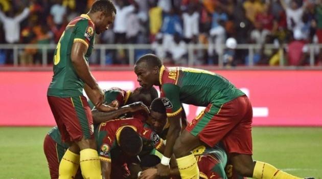 Những chú sư tử gầm vang, Cameroon ngược dòng đoạt Cúp vàng đầy kịch tính