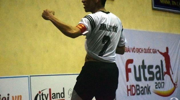 Điểm tin bóng đá Việt Nam sáng 25/3: Rượt đánh đồng nghiệp, cầu thủ của Kim Toàn Đà Nẵng bị phạt nặng