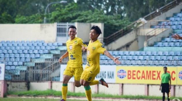 """Đồng Tháp FC trụ hạng sau chiến thắng toát """"mồ hôi hột"""" trước Bình Thuận"""