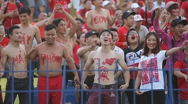 Điểm tin bóng đá Việt Nam sáng 01/10: CĐV Hải Phòng lại trêu ngươi BTC V-League