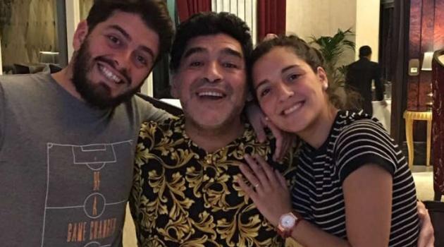 Maradona mừng sinh nhật ấm cúng bên gia đình