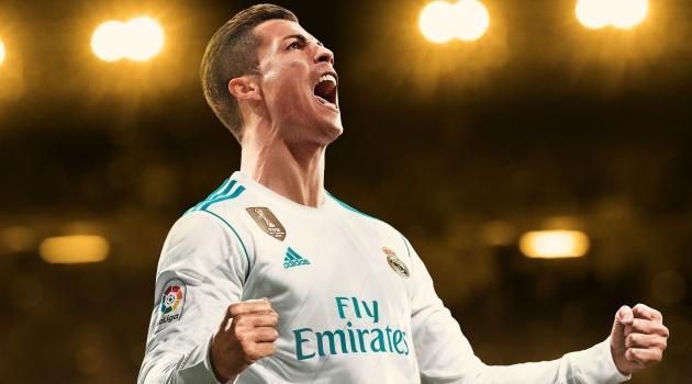 Cristiano Ronaldo - Từ dị nhân đến siêu anh hùng đổi đầu