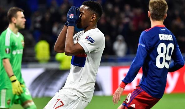 Thua sốc trên sân nhà, Lyon ngậm ngùi chia tay Europa League