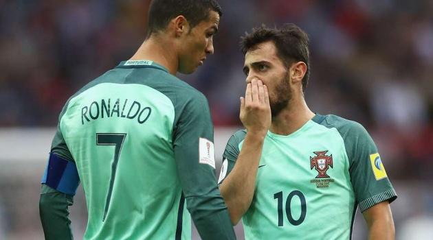 Đội hình kết hợp BĐN - Hà Lan: 3 phiên bản Ronaldo trên hàng công