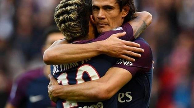 Cavani bất ngờ thừa nhận mâu thuẫn với Neymar