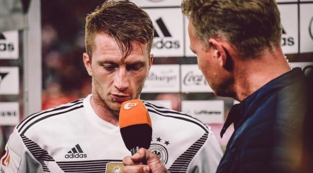 Hàng thủ chơi như mơ ngủ, đội tuyển Đức phơi áo trên đất Áo
