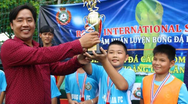 U10 Bình Thạnh, U13 Tân Phú vô địch giải bóng đá Hoàng Gia 2018
