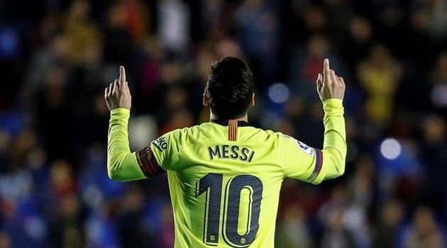 Điểm nhấn Levante 0-5 Barca: Messi lên thần; Nể phục 'kẻ nổi loạn' Dembele
