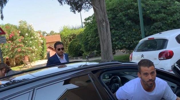 CHÍNH THỨC: Hậu vệ thất sủng của Juve đến Roma kiểm tra y tế