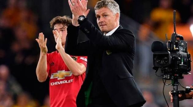 Napoli đón Lozano, cơ hội cho M.U chiêu mộ khao khát của Solskjaer?