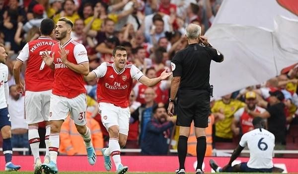 VAR từ chối bàn thắng, đánh tụt cảm xúc của Arsenal và khán giả nhà