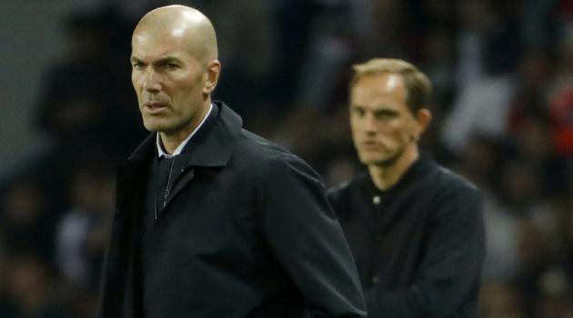 Real đại bại, Zidane ôm đầu nhưng có một người hả hê?