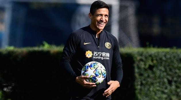 """NÓNG! """"Sếp lớn"""" Inter Milan lên tiếng về tương lai của Alexis Sanchez"""