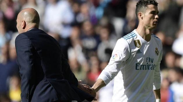 Làm gỏi Galatasaray, Zidane vội chối bỏ Ronaldo để tôn vinh một cái tên