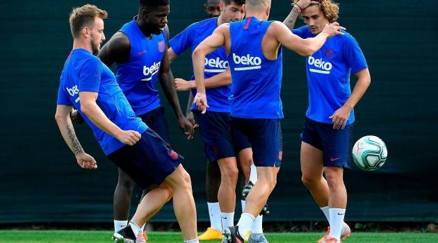 Trọng thần Barca đau đớn kêu than: Họ cướp bóng của tôi