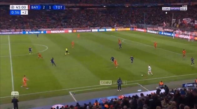 SỐC! Neuer tiếp tục tạo cơn sốt, bỏ khung thành lao ra vòng cấm