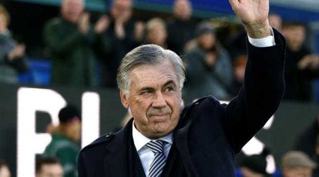 Hài hước: Chủ tịch Napoli muốn sa thải Gattuso, gọi lại Ancelotti