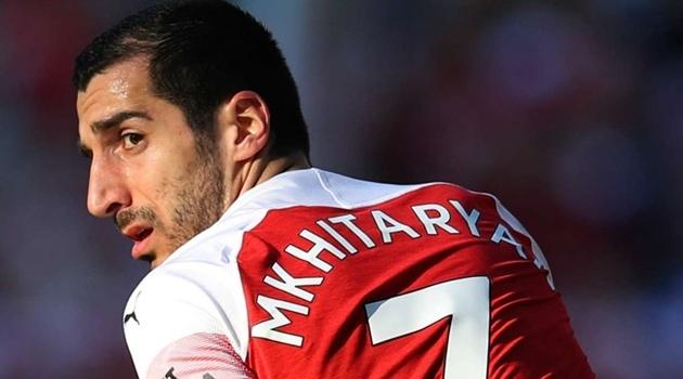 """Ra giá 23 triệu euro, Arsenal chuẩn bị tiễn """"bom xịt"""" sang AS Roma"""