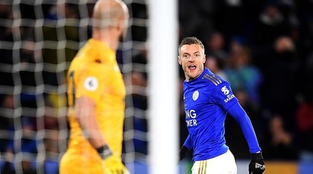Cựu sao Liverpool sai lầm, Leicester cận ngày tái xuất Champions League