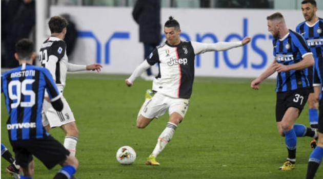 Được Juve ngỏ ý, Ronaldo liền ra động thái đáp trả cực gắt