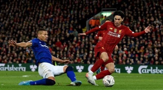 Minamino 'lạc lối' ở Liverpool, HLV Salzburg tuyên bố quá bất ngờ