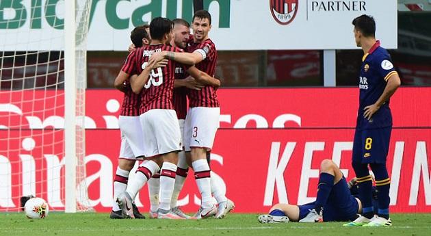 HLV vui mừng vì cuối cùng Milan cũng đánh bại một đội bóng lớn
