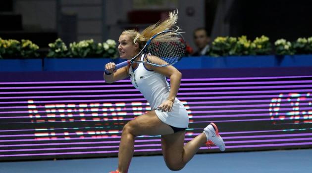 Cibulkova thoát hiểm ngoạn mục, vào bán kết WTA Finals