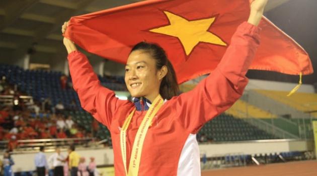 Điền kinh: Lê Tú Chinh vô đối ở bán kết nội dung 200m