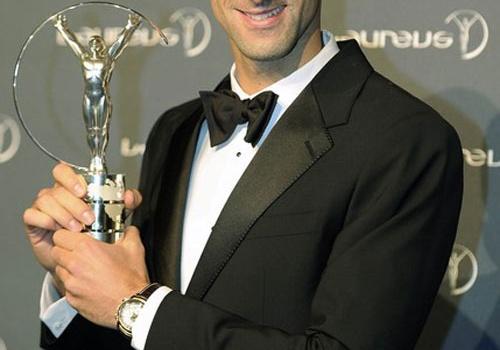 Điểm tin tennis, F1 sáng 7/2: Djokovic vượt mặt Messi