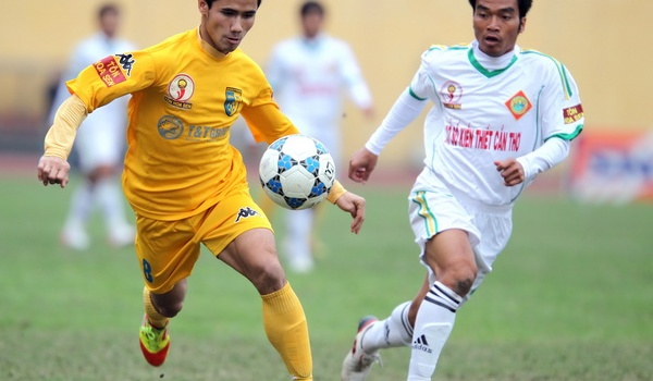 Đua tranh vé lên hạng V-League 2013: Ngũ long tranh bá
