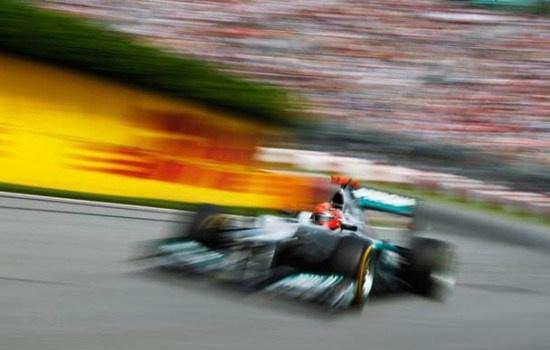 Schumacher vẫn còn lận đận