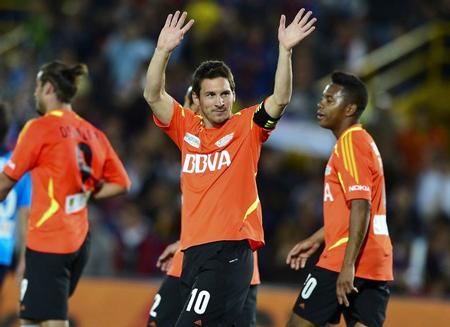 """Ronaldo: """"Messi vẫn là cầu thủ hay nhất thế giới"""""""