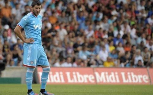 Marseille thảm bại trước Troyes, Lyon thắng chật vật Brest