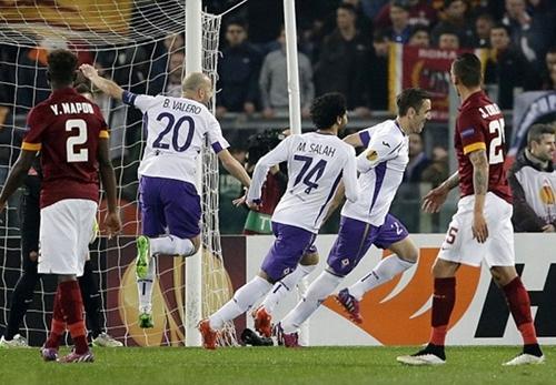 Video AS Roma 0-3 Fiorentina: Thánh địa Olympico sụp đổ lần hai trước Viola