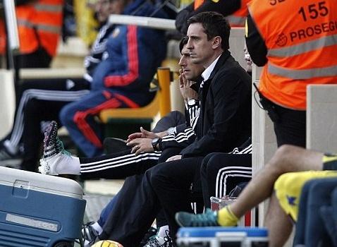 Những ngày tháng đen tối của Neville tại Valencia
