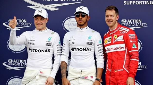 Hamilton giành pole ở chặng mở màn F1 2017