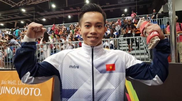 Hot boy Lê Thanh Tùng: Lên đỉnh SEA Games nhờ xe bánh mì của mẹ