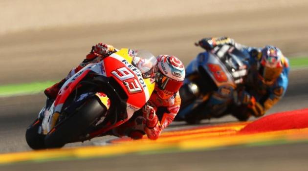 Lên ngôi ở Aragon GP, Marquez tiếp tục cho Dovizioso ngửi khói