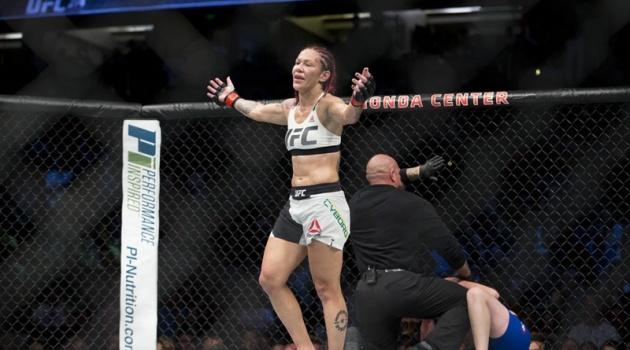 CHÍNH THỨC: Người máy MMA gia hạn hợp đồng với UFC