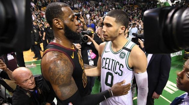 Đánh bại Boston Celtics, King James hết lời ca ngợi Jayson Tatum
