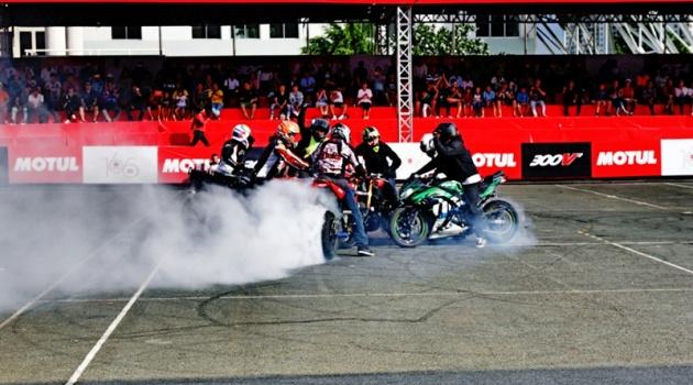 Thót tim với những màn trình diễn mô tô mạo hiểm tại Motul Stunt Fest 2018