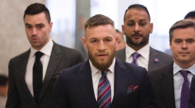 Phán quyết chính thức vụ McGregor tấn công đồng nghiệp