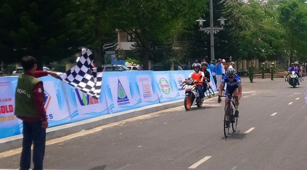 Chặng 2 giải xe đạp nữ quốc tế Bình Dương lần 9: Hai êkip Nhật vượt trội