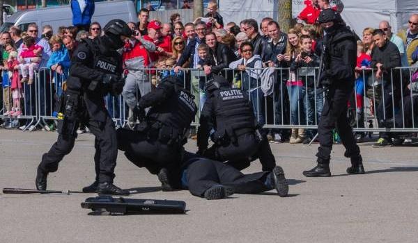Cảnh sát thường chọn tập luyện môn võ nào?
