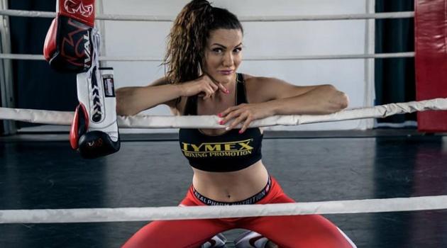 Nữ võ sĩ vô địch thế giới muốn chụp ảnh cho Playboy