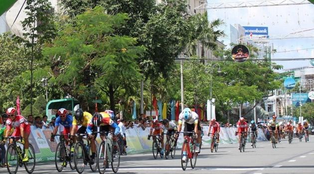 Kết thúc giải xe đạp đồng bằng sông Cửu Long: Êkip Đồng Nai bảo vệ thành công danh hiệu áo vàng