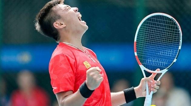 Khoảnh khắc Lý Hoàng Nam đi vào lịch sử quần vợt Việt Nam