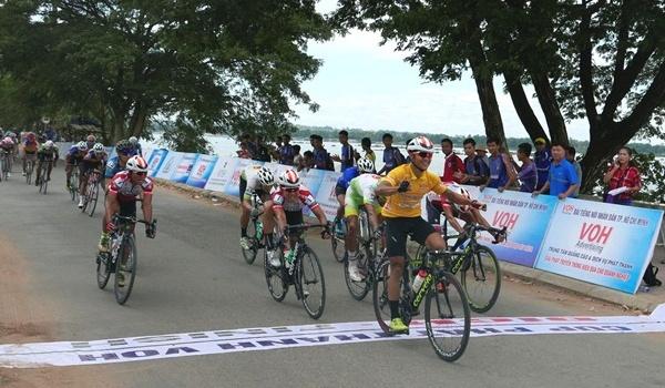 Chặng 3 cuộc đua xe đạp Nam Kỳ Khởi Nghĩa lần thứ 21: Tiếp tục đào sâu cách biệt ở giải áo xanh
