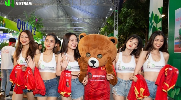Việt Nam vô địch SEA Games: Người hâm mộ tại sân Hoa Lư và toàn Việt Nam ăn mừng lịch sử!