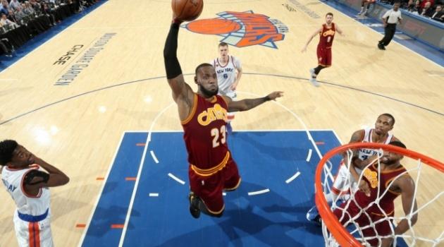 Irving, James giúp Cleveland Cavaliers hủy diệt New York Knicks